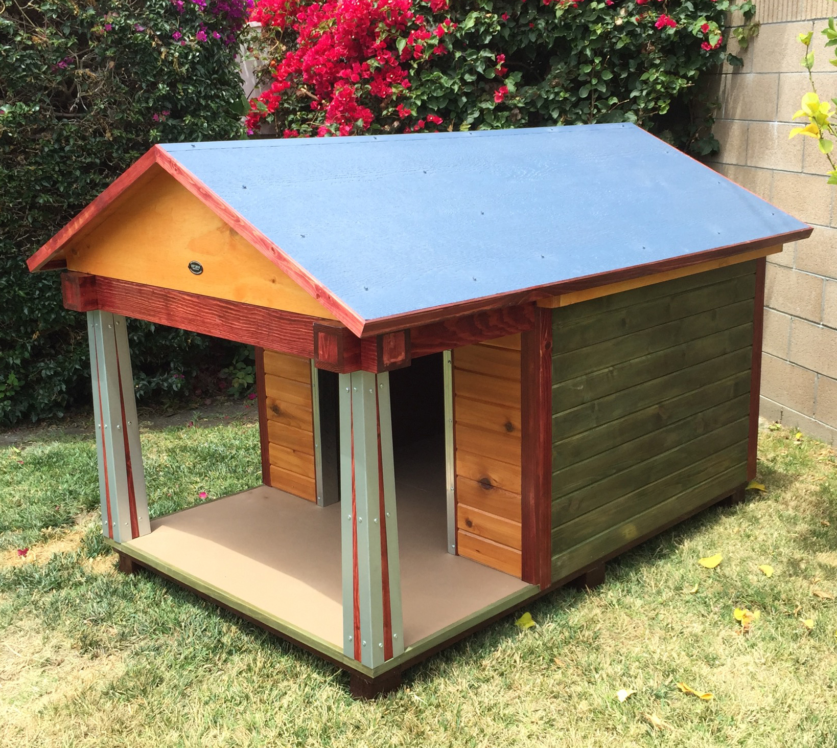 this beautiful jumbo 48 x 48 cedar siding dog house uses the same color scheme as our craftsman home our customer is a heavy chewer so we covered the - Beautiful Dog Houses